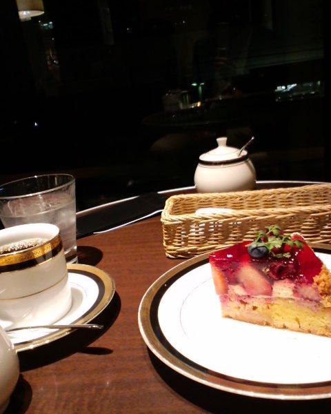 M&C Cafe 珈琲とケーキ