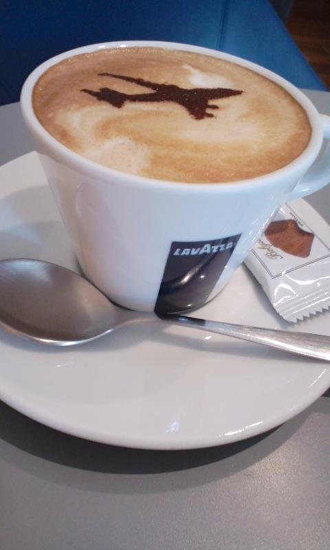 hane‐cafe ヒコーキラテ
