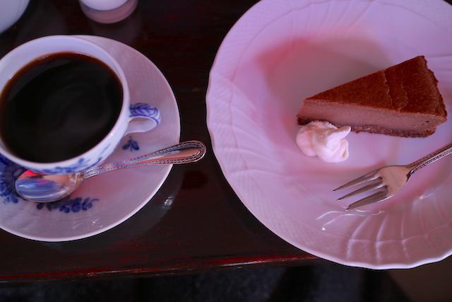 武蔵野珈琲店 珈琲とチョコレートチーズケーキ