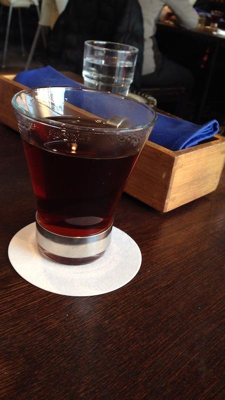 カフェ ライフフォース 三年番茶