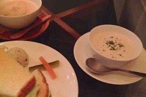 エフィッシュ スープとサンドイッチ