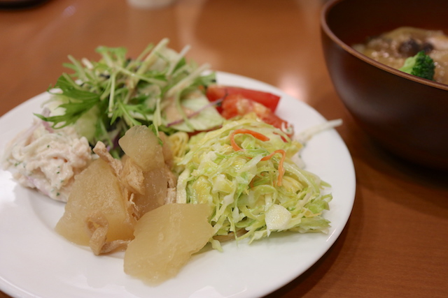 泥武士キッチン サラダビュッフェ
