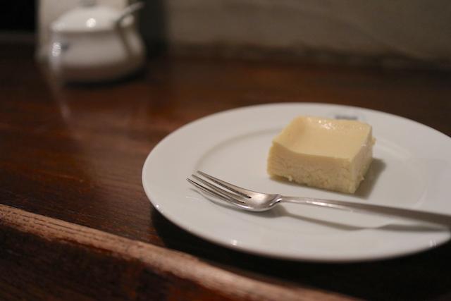 ELEPHANT FACTORY COFFEE 自家製ミニチーズケーキ