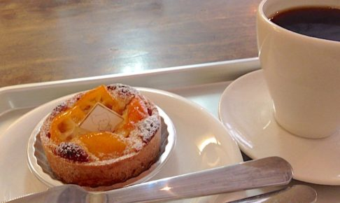 こぐま洋菓子店 珈琲とケーキ
