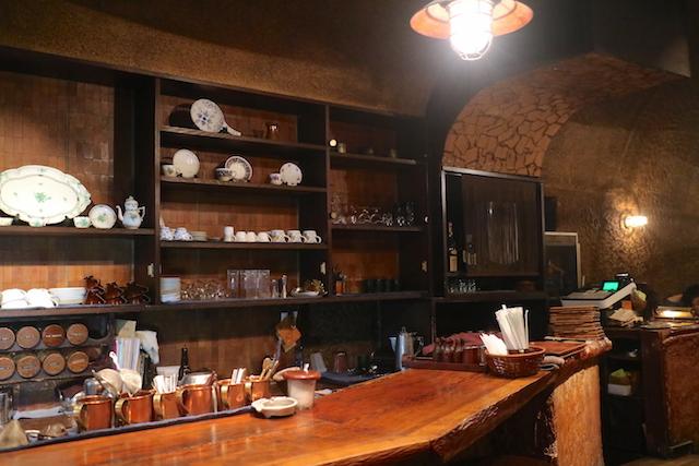 COFFEE HALL くぐつ草 店内