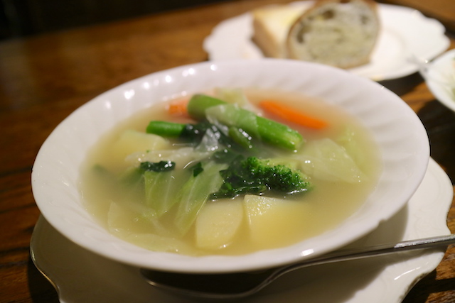 喫茶ロア ポトフのスープ