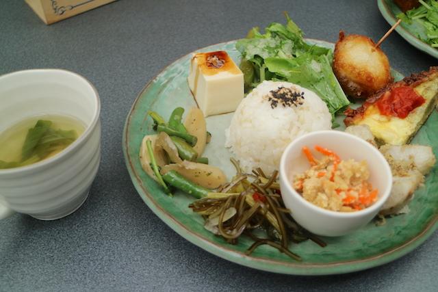 農民カフェ 下北沢店 スープとプレート