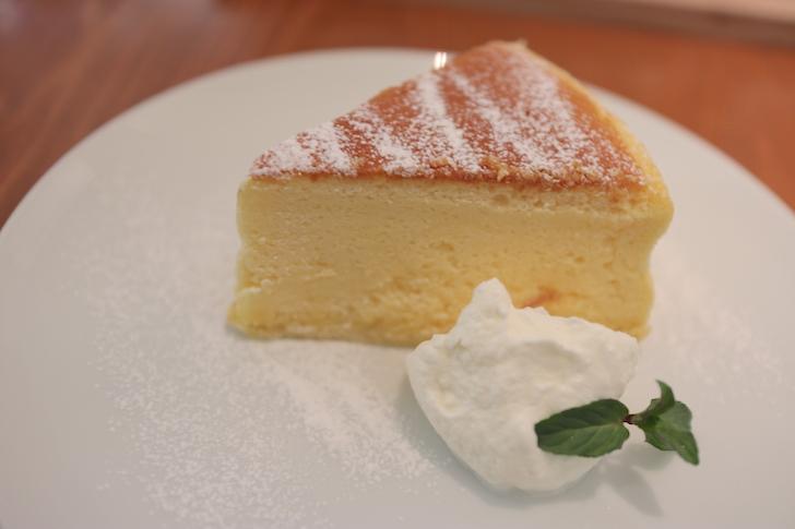 チーズケーキ 珈琲専門店 三十間 青山店