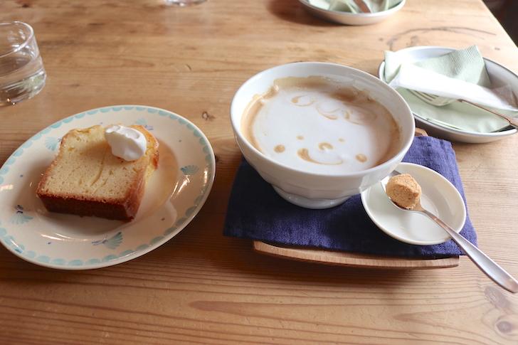 レモンのパウンドケーキとカフェオレ カフェ・ロッタ