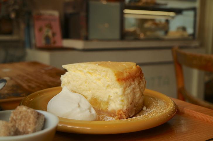 パインのチーズケーキ カフェ・ロッタ