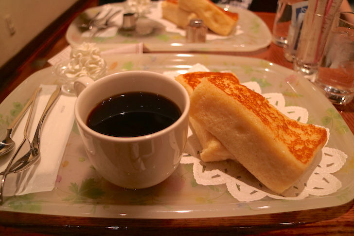 CAFE AALIYA フレンチトーストとコーヒー