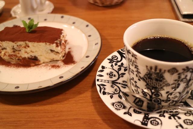 カフェ スノウドロップ 珈琲とティラミス