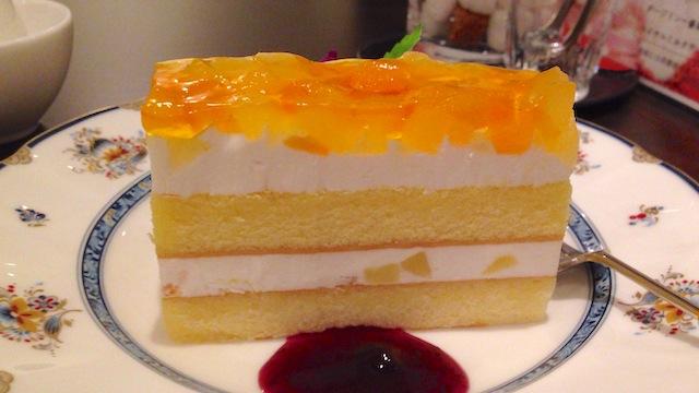 珈琲処ボナール 林檎と桃のケーキ
