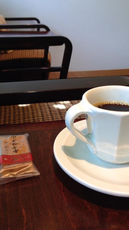 喫茶 六花文庫 珈琲とキャラメル
