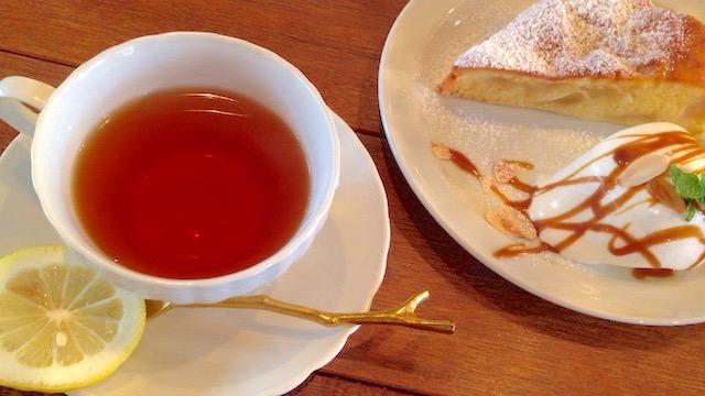 COOK's Cafe & Deli 紅茶と林檎のケーキ