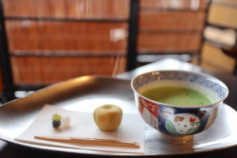 上生菓子と抹茶のセット 波結