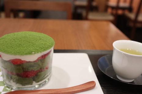 苺いり抹茶ティラミス 茶茶の間