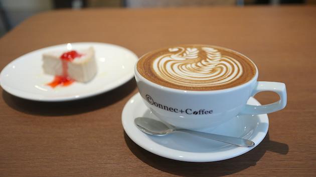カフェラテとケーキ Connect Coffee