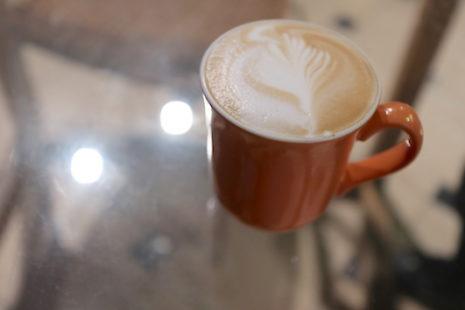 カフェラテ 二月咖啡