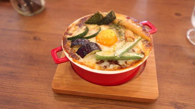彩り野菜の焼きチーズカレー THE BACKYARD CAFE