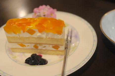 林檎と桃のケーキ 珈琲処ボナール