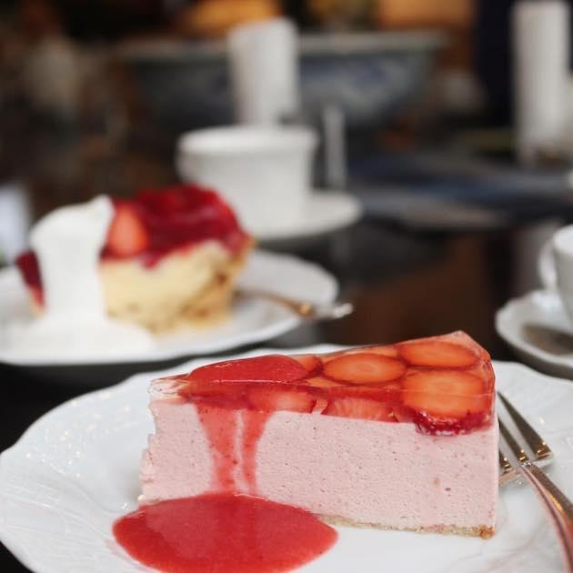 いちごのババロアといちごのパイ Tea & Cake Grace