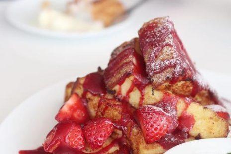 季節のフルーツのフレンチトースト D&DEPARTMENT DINING