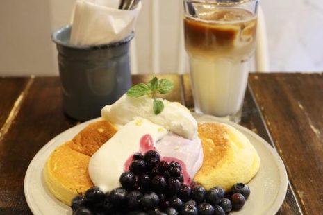 奇跡のパンケーキとアイスカフェラテ FLIPPER'S 下北沢店