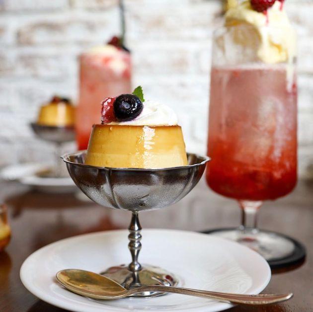 自家製プリンといちごのミルクソーダ Majorelle Cafe