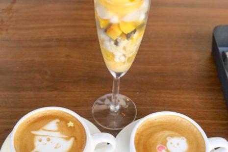 かぼちゃのプリンパフェとカフェラテ C2 cafe