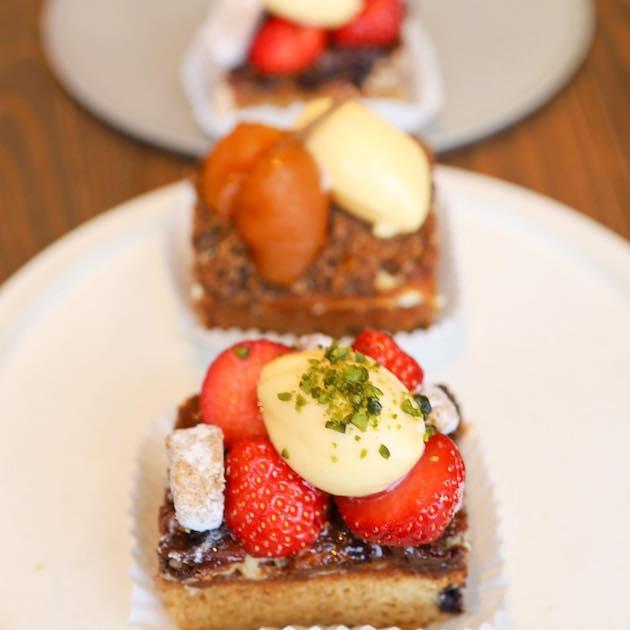 苺ベリーと柿とスパイスTiTRE sweets shop